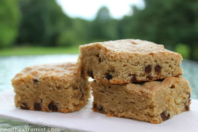 Paleo Blondies Recipe (with Chocolate Chips) - These blondies are gluten free, dairy free, grain free, and refined sugar free.